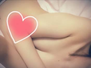 おやすみぃ(2018/04/07 00:33)葵 比奈のブログ画像